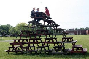 table-bench-pyramid-stack
